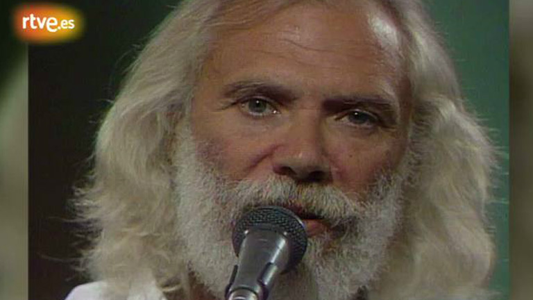"Georges Moustaki canta ""L'ambassadeur"" en 'La tarde' (1985)"