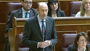 Ver vídeo  'Gobierno y oposición continúan con reproches pero defienden los intereses de España'