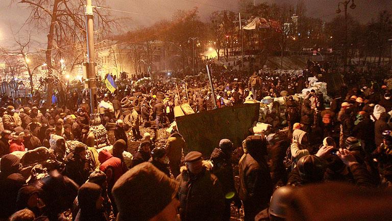 Gobierno y oposición ucraniana se dan una tregua y abren negociaciones