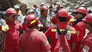 Ver vídeo  'El Gobierno peruano pide ayuda de expertos para el rescate de sus mineros'