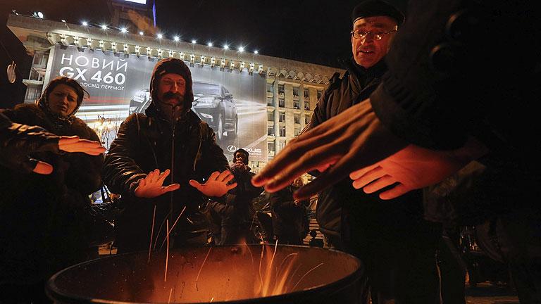 """El Gobierno ucraniano asegura que la protesta se descontrola y tiene """"signos de golpe de Estado"""""""