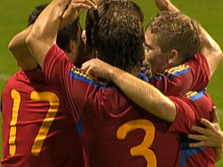 Ver vídeo  'Gol definitivo de Canales (2-0)'