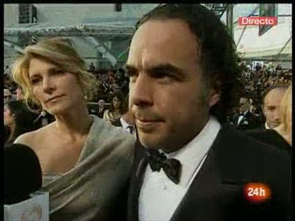 Ver v?deo  'González Iñárritu defiende 'Biutiful' en la alfombra roja'