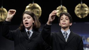 Ver v?deo  'El Gordo de la Lotería de Navidad de 2013, el 62.246, muy repartido por toda España'