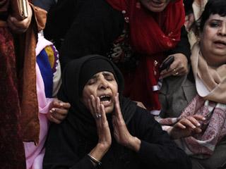 Ver v?deo  'Grandes muestras de dolor en Pakistán en el último adiós al gobernador asesinado'