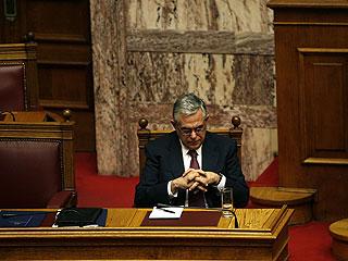 Ver vídeo  'Grecia aprueba un austero presupuesto marcado por la división en el Gobierno'