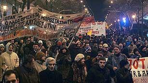 Ver vídeo  'Grecia se paraliza por una huelga general de 48 horas contra los recortes'