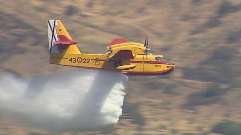 Los hidroaviones del Grupo 43 apoyan la lucha contra el fuego