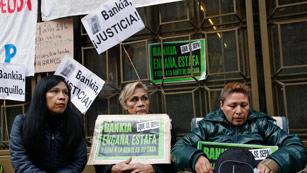 Ver vídeo  'Un grupo de jueces critica las malas prácticas bancarias en las hipotecas'