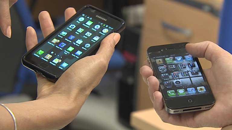Samsung deberá pagar 1.100 millones de dólares a Apple por infringir patentes