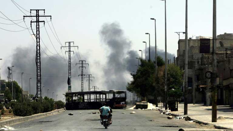 Miles de personas atrapadas por el fuego del ejército y los rebeldes en Siria