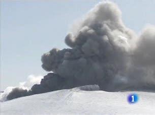 Ver v?deo  'Habrá ayudas a las aerolíneas y operadores turísticos afectados por la nube de ceniza del volcán islandés'