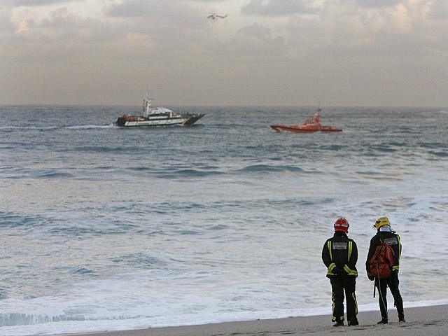 Ver vídeo  'Hallan el cadáver de uno de los desaparecidos mientras continúa la búsqueda de las otras tres en A Coruña'