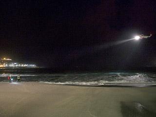 Ver vídeo  'Hallan el cadáver de uno de los policías desaparecidos en una playa de A Coruña'