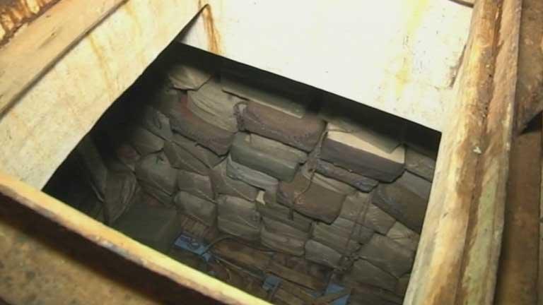 Agentes de Vigilancia Aduanera localizan 17 toneladas de hachís en un barco