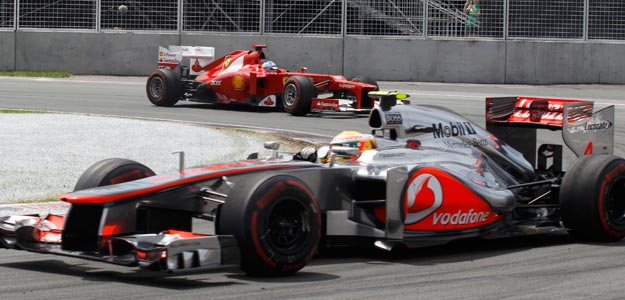 Hamilton conduce su McLaren en Canad&