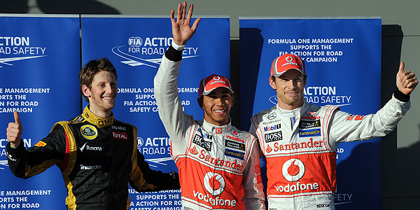 Hamilton escoltado por Button y Grosjean en Melbourne.