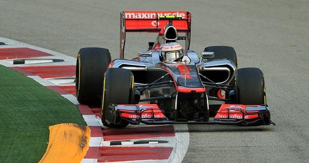 Hamilton se lleva la 'pole' en el circuito nocturno de Marina Bay, en el GP de Singapur.
