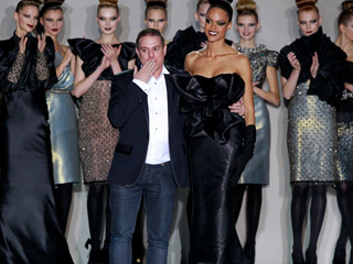 Ver vídeo  'Hannibal Laguna en Madrid Cibeles Fashion Week'
