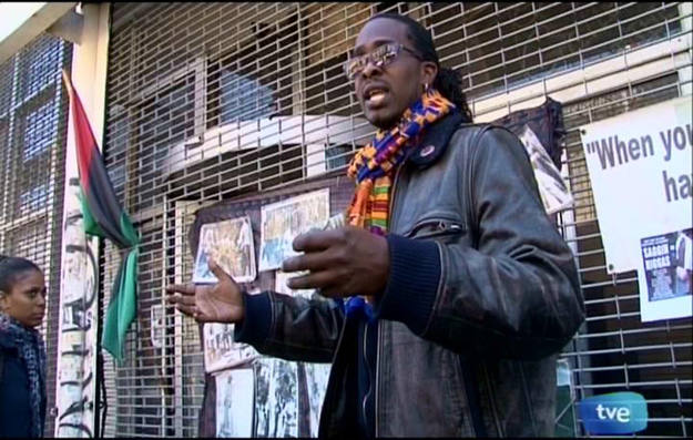 En el Harlem encontramos activistas que denuncian con fotografías los crímenes del Kus Klus Klan - Buscamundos