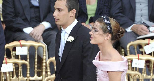 La hija de la Princesa Carolina de Mónaco, Carlota Casiraghi (a la derecha) y su novio en la boda.
