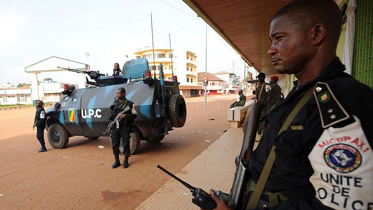 Hollande da luz verde a una operación inmediata en República Centroafricana con el beneplácito de la ONU