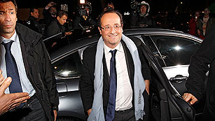 Ver v&iacute;deo  'Hollande gana a Sarkozy por estrecho margen y ambos se disputar&aacute;n la segunda vuelta'