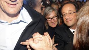 Ver vídeo  'Hollande se dirige a sus seguidores en la plaza de la Bastilla'