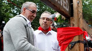 Ver vídeo  'Homenaje a Daniel Jimeno, última víctima mortal de San Fermín'