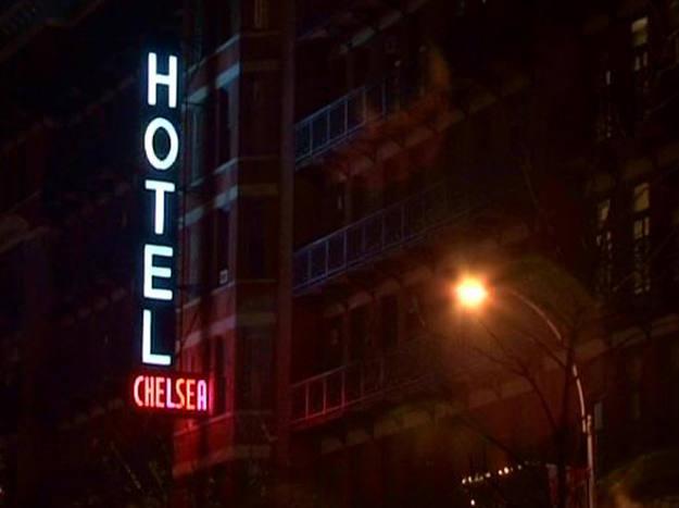 El hotel Chelsea existe desde 1905. Aquí vivieron autores como Mark Twain, Wolfe, Nabokov, Miller, Clarke, O¿Henry y Ginsberg - Buscamundos
