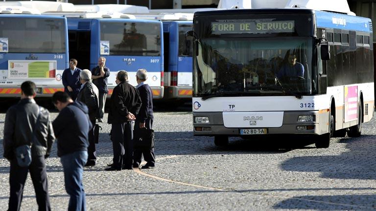 Los funcionarios públicos portugueses están hoy llamados a la huelga