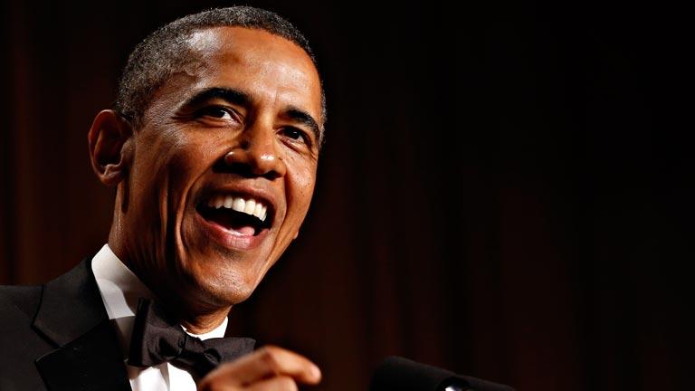 El humor marca la cena anual de Obama con los corresponsales de la Casa Blanca