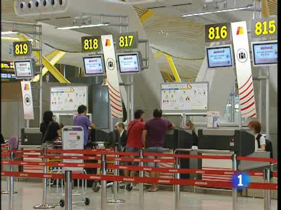 Iberia Estudia Cobrar Por La Facturaci 243 N De Maletas En Las