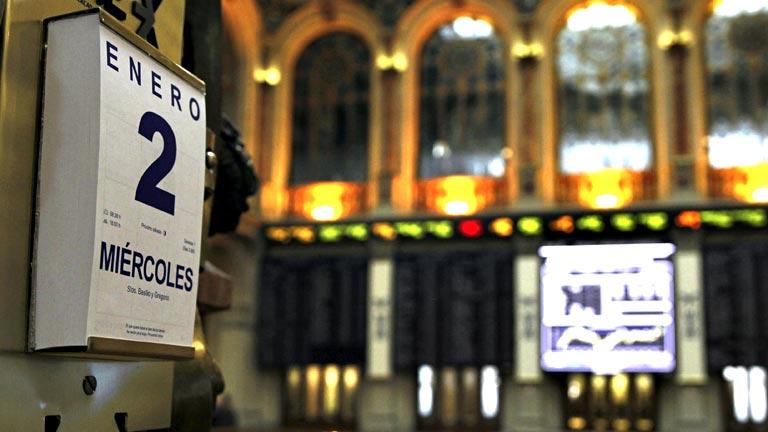 El Ibex-35 sube un 3,43% y la rentabilidad del bono español cae al 5%, en niveles de marzo 2012