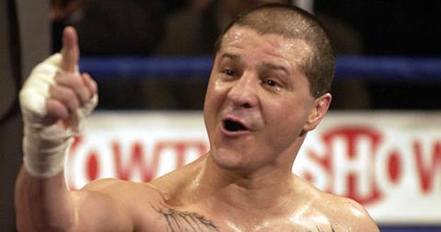 El excampeón mundial de boxeo, Johnny Tapia.