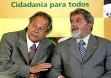 Imagen de archivo del expresidente brasileño, Luis Ignacio Lula da Silva, con Jose Dirceu, uno de los 38 acusados en el mayor juicio de corrupción de la historia del país.