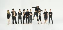 Imagen de conjunto de los jóvenes coreógrafos que participan de la gala en el Teatro de la Zarzuela