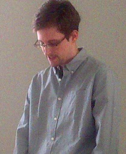 Imagen, difundida por Human Rights Watch, de Edward Snowden en el aeropuerto de Moscú