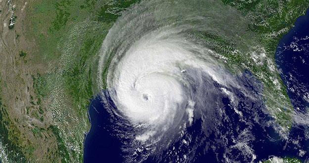 Imagen por satélite del Huracán Rita, de categoría 3, a su paso por la Costa del Golfo en EE.UU.