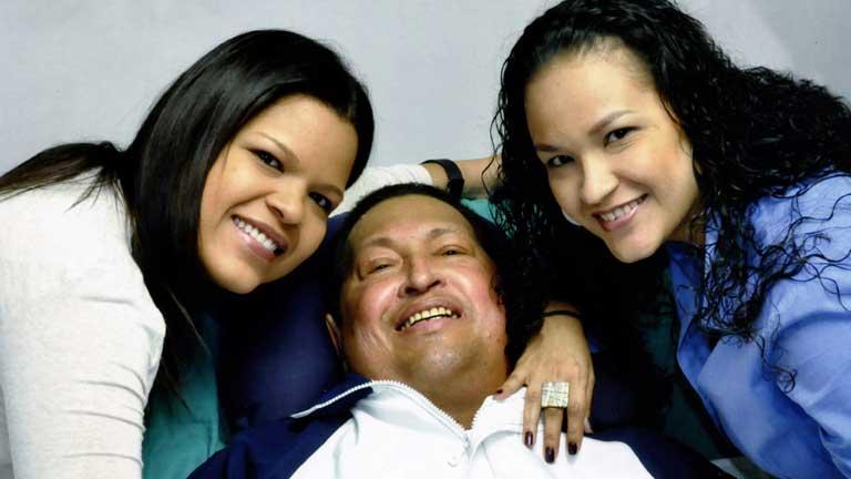 Las primeras imágenes de Hugo Chávez se difunden en los medios tras su operación