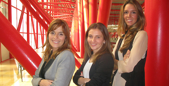 Teresa Gonzala, Nuria Rodríguez y Elena Benavides en la conferencia celebrada por el MIT en Málaga