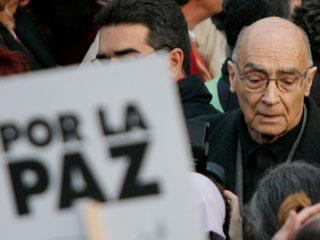 Ver v?deo  'Imposible bucear en la vida de José Saramago sin mencionar su compromiso político'