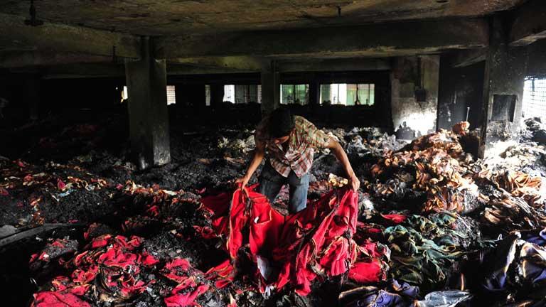 En Bangladesh, un incendio en un taller textil causa al menos 8 muertos