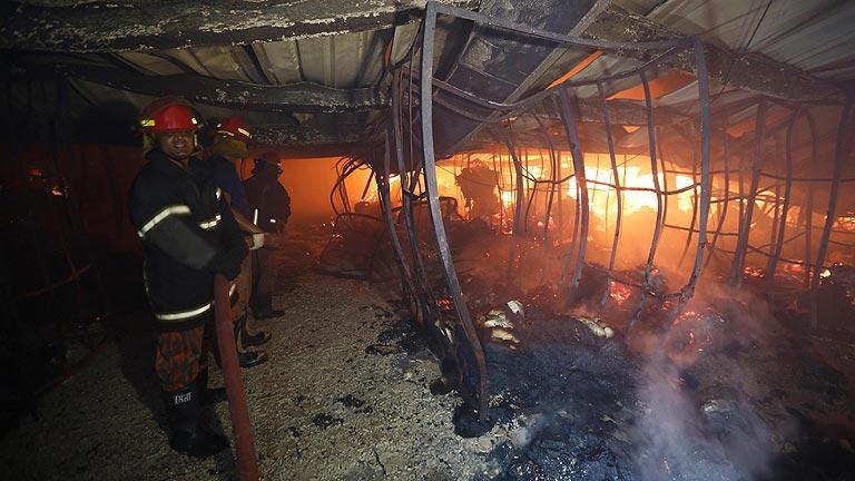 Nueve muertos en Bangladesh en otro accidente en un taller textil