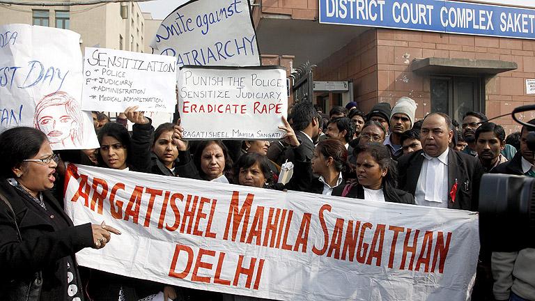 Comienza el juicio en La India ontra los presuntos autores de la violación de una joven
