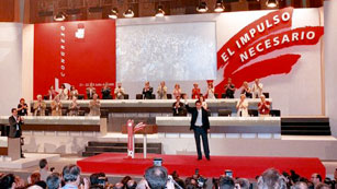 Ver v&iacute;deo  'Informe Semanal (2000): 35 Congreso del PSOE, Jos&eacute; Luis Rodr&iacute;guez Zapatero, secretario general'