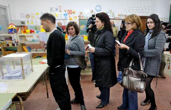 Ver vídeo  'Informe semanal - Las elecciones en Galicia y País Vasco'
