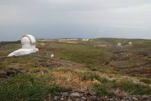 El gran telescopio de Canarias esta dotado con instrumentos científicos de ultima generacion . Su capacidad de visión equivale a cuatro millones de pupilas humanas