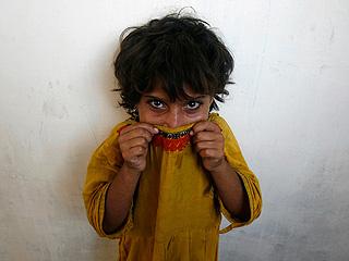 Ver v?deo  'Informe semanal - Niños sin derechos'