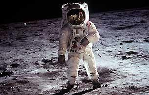 Ver vídeo  'Informe semanal - Primer viaje lunar'